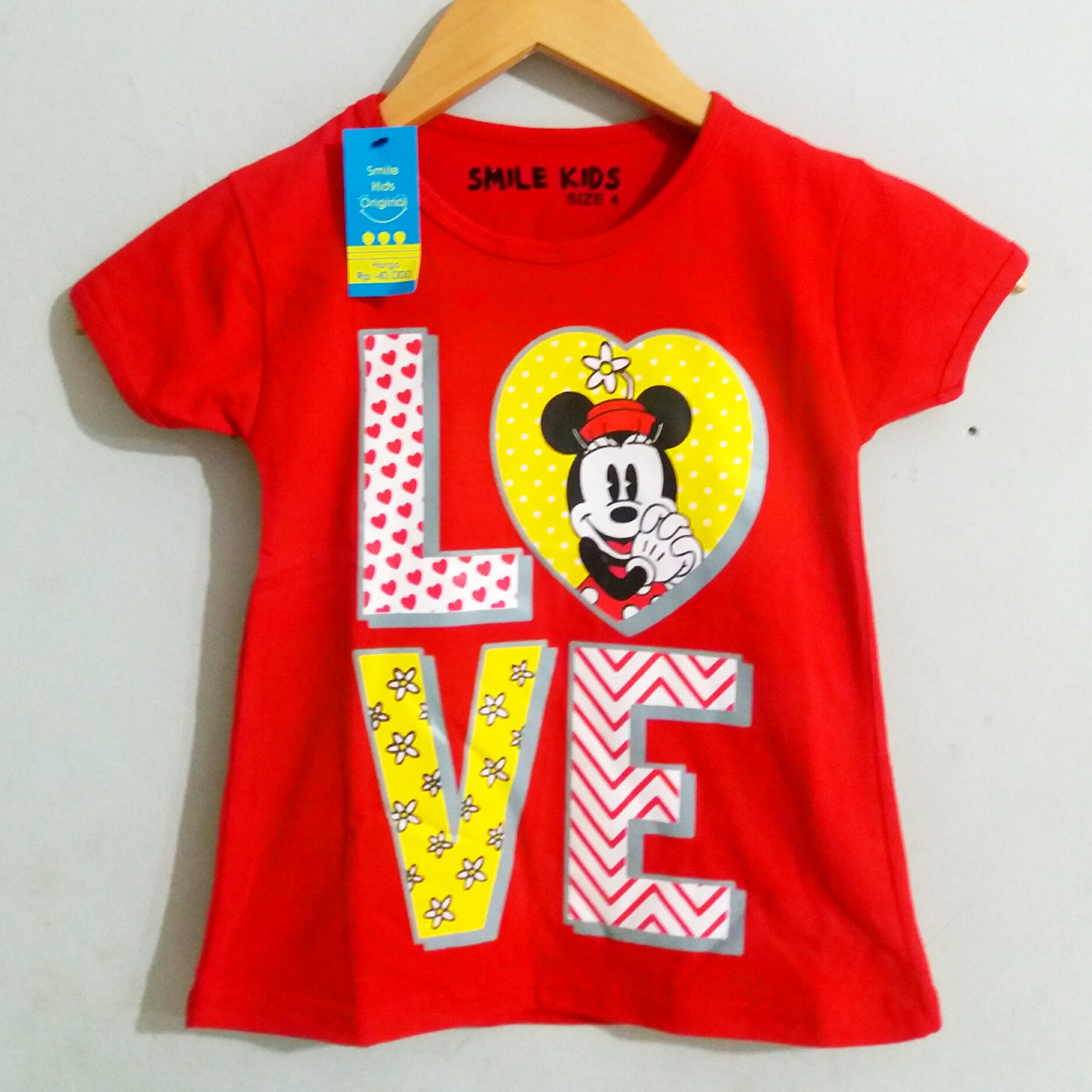 MINNIE MOUSE love smile kids
