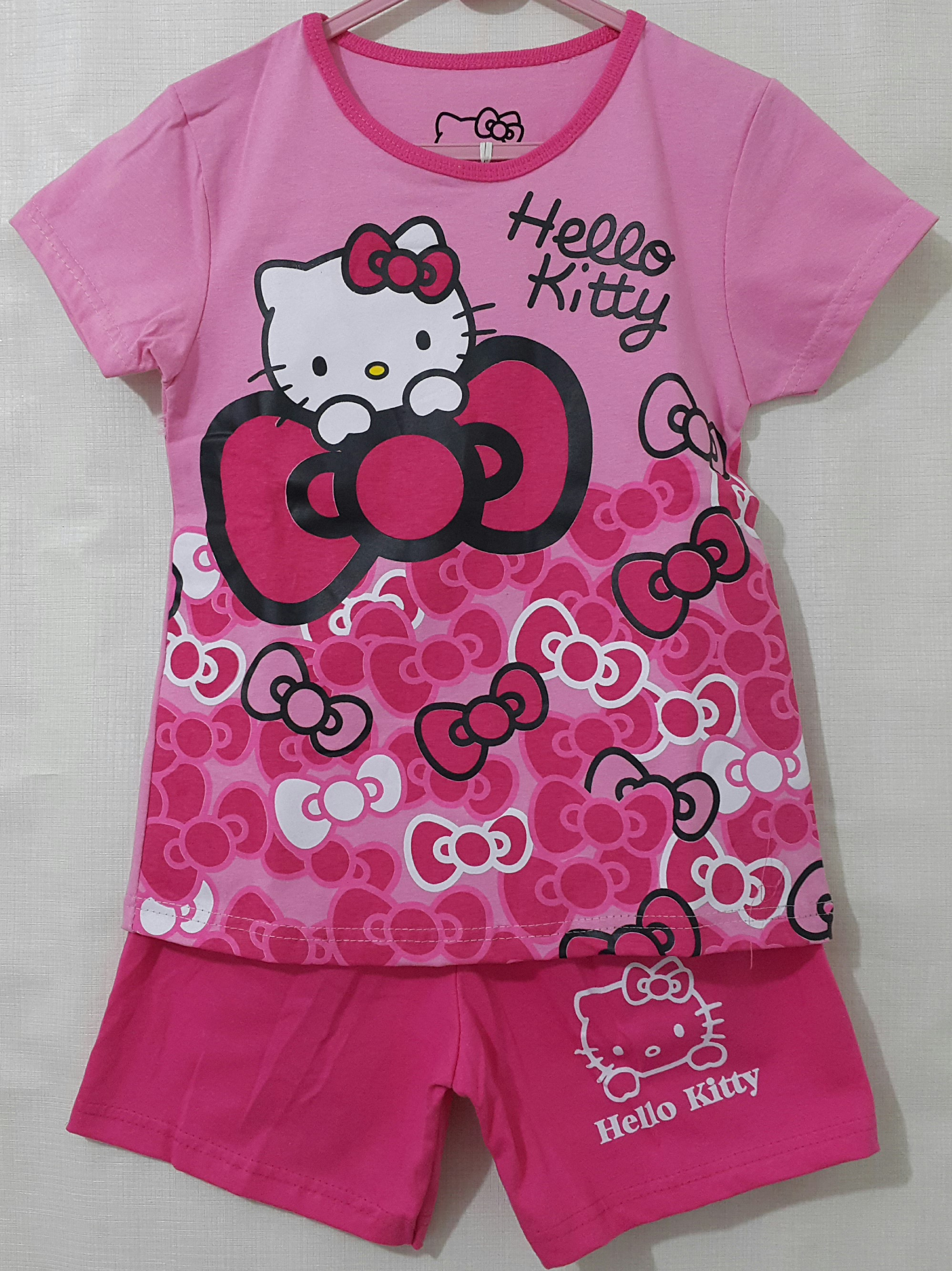 setelan hello kitty pita pink